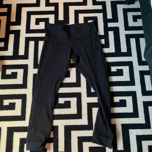 Lululemon cropped black leggings size 4